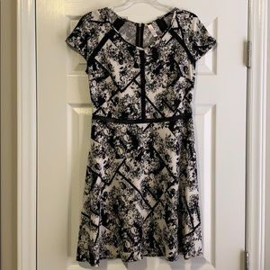 XHILARATION : Black and White Geo Floral Dress